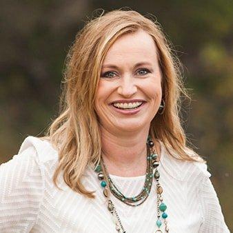Dr. Sara Meng, a highly skilled dentist in Wichita, KS.
